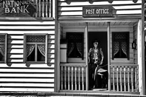 Открытка: Потусторонняя почта