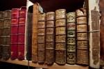 Открытка: Старые книги