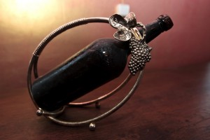 Открытка: Бутылка с вином