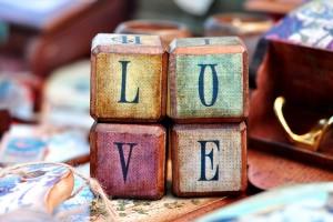 Открытка: Кубики Love