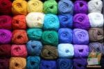 Открытка: Цветные нитки