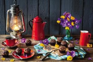 Открытка: Натюрморт с красным чайником