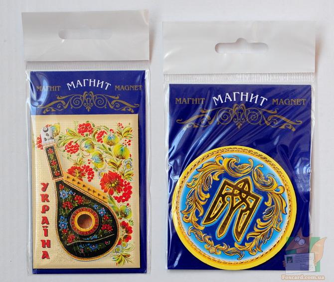 Магнит с национальным украинским музыкальным инструментом - бандурой